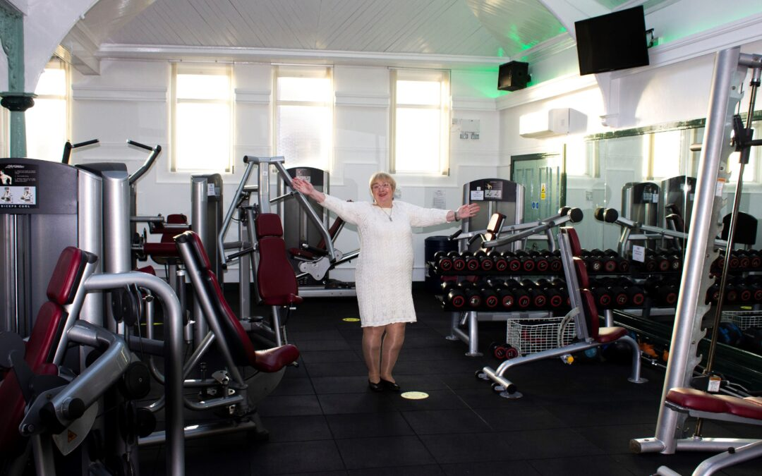 Annabelle cuts ribbon on new-look Bramley Baths gym